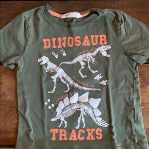 H&M Dinosaur Tee sz 4-6
